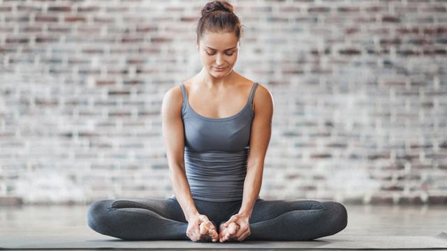 Pilates bandıyla 6 kolay adımda daha fit bir görünüme kavuşun