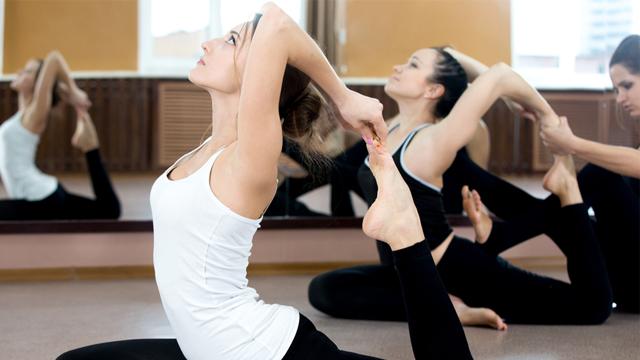 Masa başı çalışanlar için her gün yapılması gereken yoga hareketleri