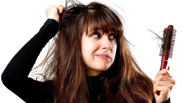 Saçımız neden dökülür? Dökülen saç yeniden çıkar mı?