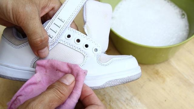 Spor ayakkabılarını temizleme yöntemleri