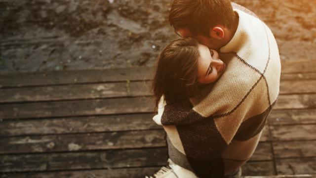 Sevgililer Günü'nde tutkuyu zirveye taşıyacak seks pozisyonları