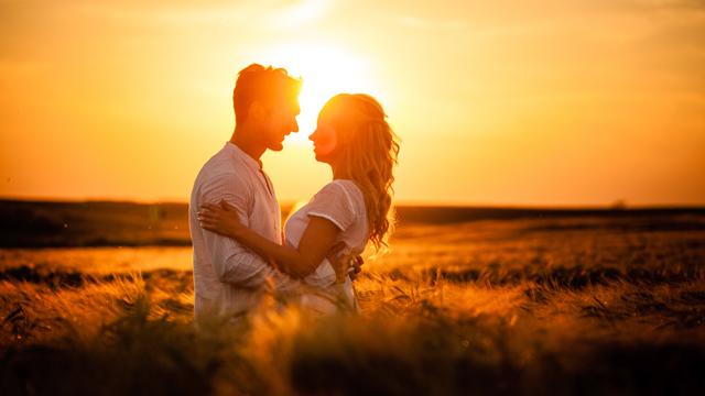 Yeni evli çiftler için evliliği sürdürmenin 30 yolu