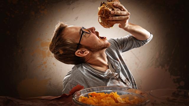 Gece yemek yemeyi önlemek için bunları yapın!