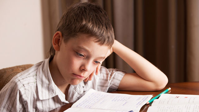 Karnesinde zayıf olan çocuğa nasıl davranmalı?