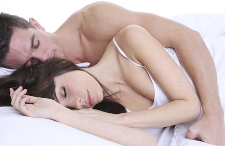 Uyku stiliniz ilişkinizi ele veriyor