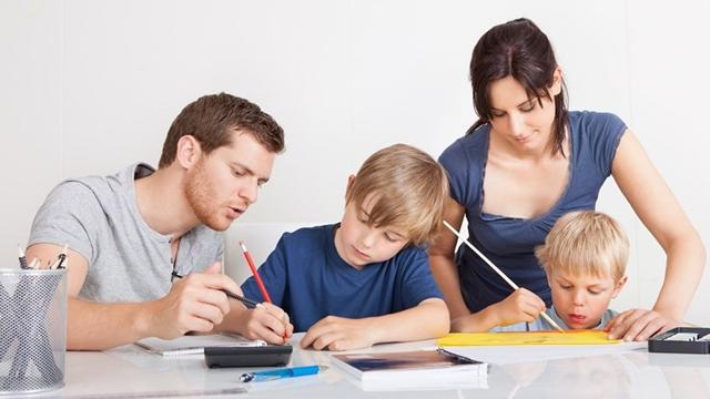 Çocuğunuzun karnesinde zayıf varsa sakın bunları yapmayın