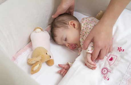 Bebeği uyandırmadan yanından kaçma taktikleri