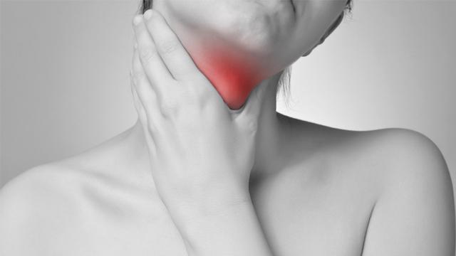 Bu aralar sizin de boğazınız ağrıyor mu? İşte sebepleri...