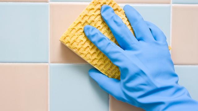 Banyo fayanslarınız için deterjan yapın!
