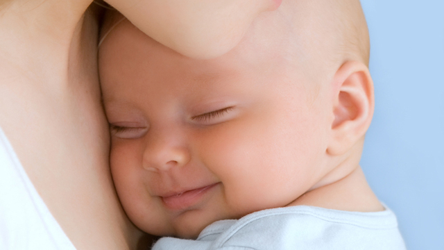 Kilolu doğan bebekleri sağlıklı sanmayın!
