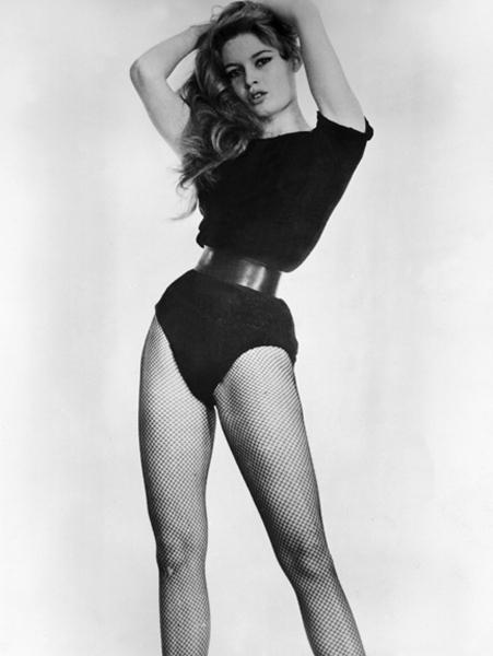 1959-Brigitte-Bardot-454998