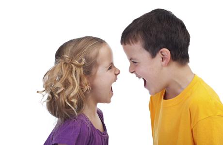 Şiddet eğilimli çocuk yetiştirmemek için anne babalara düşen görevler