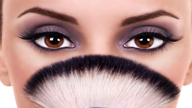 Gözler makyajla nasıl iri hale gelir?