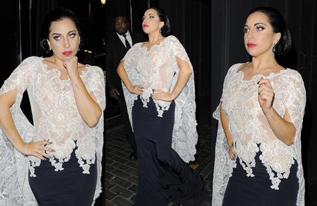 Lady Gaga bu kez tamamen transparan