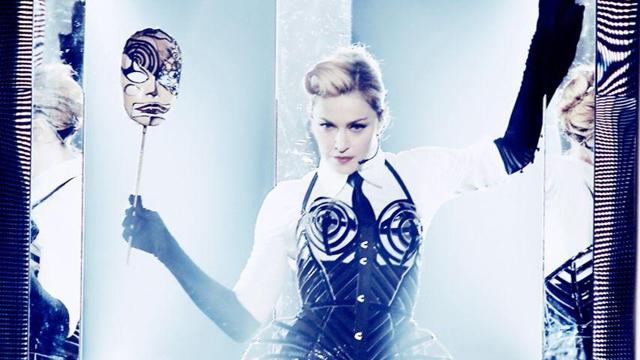 Madonna'nın 130 bin liralık gelinliği