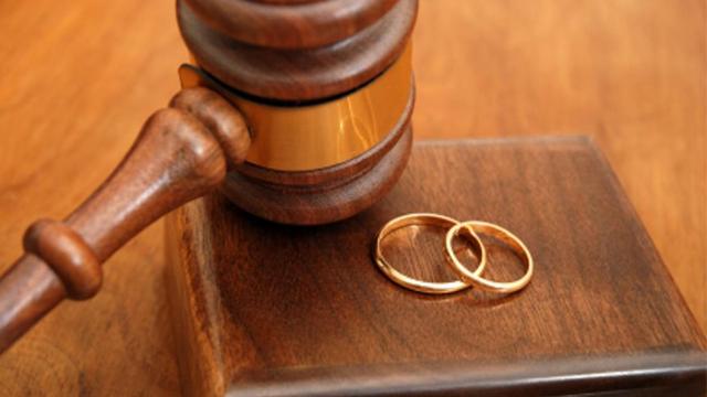 Boşanmaların en büyük sebebi ekonomik şiddet