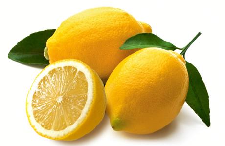 Cilt lekelerinden limon suyu ile kurtulun