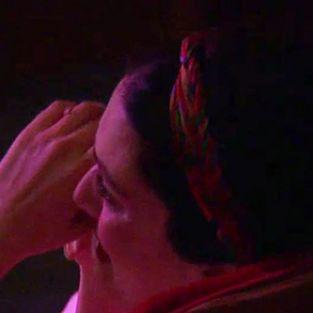 Bergüzar Korel, yardım gecesinde hıçkıra hıçkıra ağladı