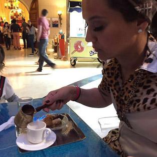 Demet Akalın Dubai'deki fiyatlara isyan etti