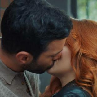 Kiralık Aşk'a Defne ile Ömer'in öpüşme sahnesi damga vurdu