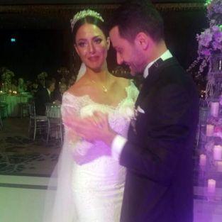 Sinan Özen hayranı Burcu Kartal'la evlendi, aralarında 26 yaş var