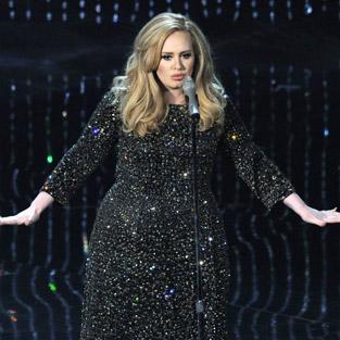 Adele Sony Music ile 400 milyon TL'lik anlaşma imzaladı