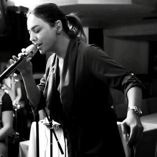 Ebru Gündeş, eşi Reza Zarrab'a 'Söyleyin' şarkısıyla gönderme mi yaptı?