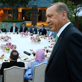 Yılmaz Özdil Cumhurbaşkanı Erdoğan'ın iftarını yazdı, işte 'İftar Top 10'