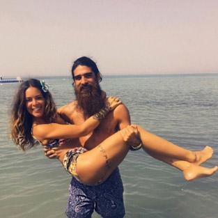 Eliz Şakuçoğlu sevgilisi Beran Benan'la tatilde