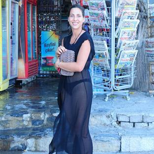 Zehra Çilingiroğlu'na anneden Bodrum tatili hediyesi