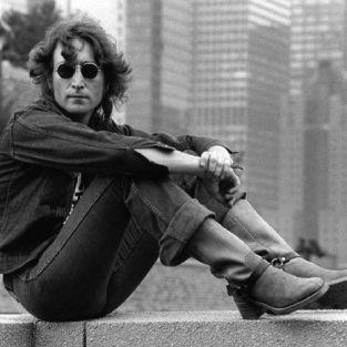 John Lennon'ın Kraliçe'ye yazdığı mektup yıllar sonra ortaya çıktı