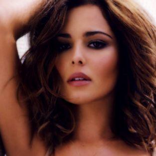 İngiliz Şarkıcı Cheryl aile sırrını TV'de öğrendi