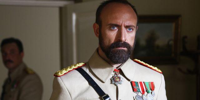 Albay Cevdet'in gerçek hayatta kim olduğu ortaya çıktı