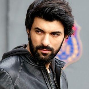 Engin Akyürek, Şili'de en iyi Türk erkek oyuncu