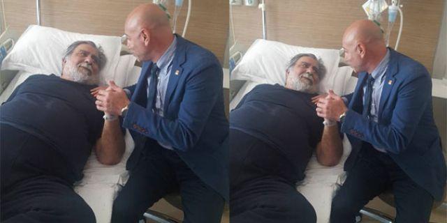 Usta sanatçı Arif Sağ hastaneye kaldırıldı