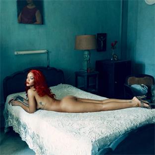 Rihanna: 'Önüme gelenle yatmıyorum'