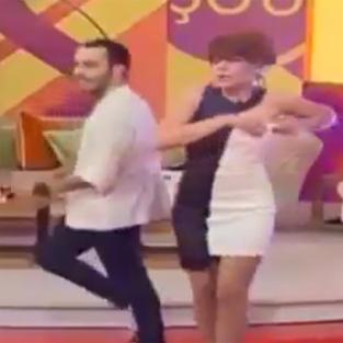 Dans ederken bir anda göğsü açıldı