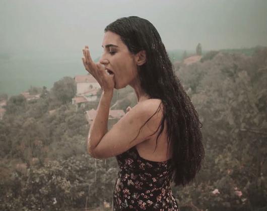 Tuba Büyüküstün'ün rol aldığı 'Dar Elbise' filminin fragmanı yayınlandı