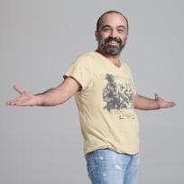 Ayhan Taş tişört ve bardakları satışta