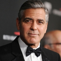 George Clooney özür diledi