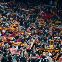 UEFA'dan G.Saray'a meşale cezası