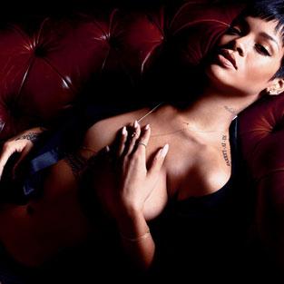 Sırada Rihanna'nın pozları var