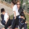 Çocuklar okula Gülben Ergen evine