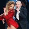 Jennifer Lopez geceye damgasını vurdu