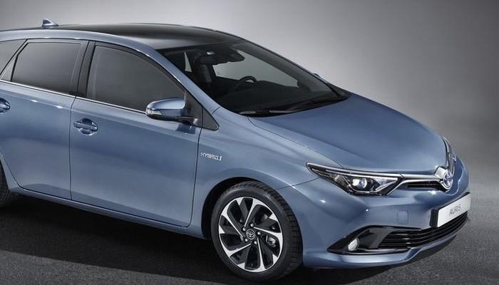 Toyota Auris'e yeni ön yüz