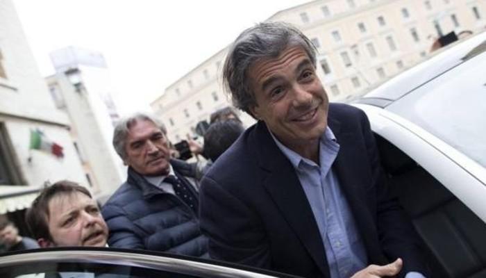 Ferrarisini halktan sakladı