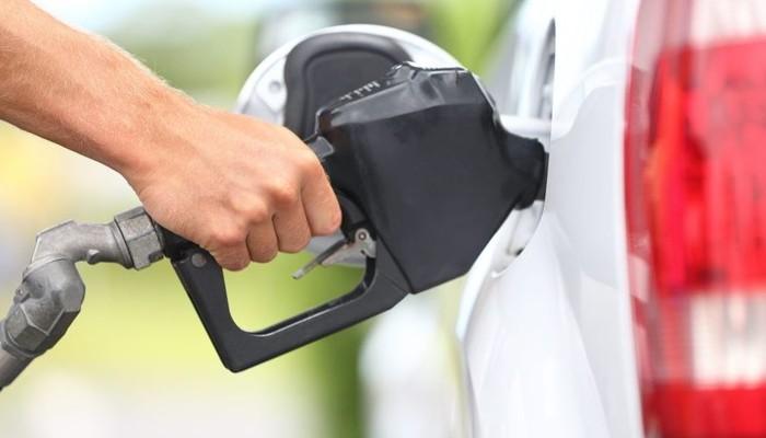 Benzinli otolara yasak geliyor