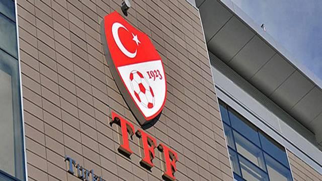 Galatasaray'a 100 bin TL, Bursaspor'a tribün kapatma