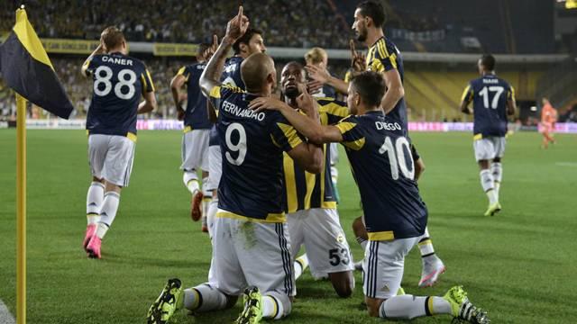 Fernandao coştu, Fenerbahçe turladı