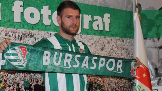 Bursaspor Sedat Berisha'yla yolları ayırdı